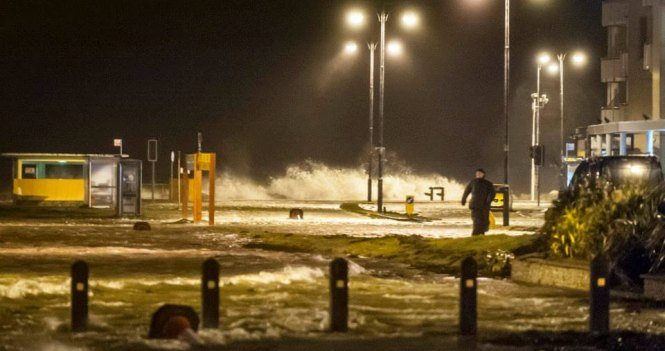 WEATHER WARNING FOR WIND FOR GALWAY, THE WEST, NORTHWEST, DUBLIN, KILDARE, LOUTH AND MEATH